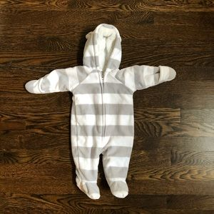 BRAND NEW Old Navy Fleece Footed One Piece